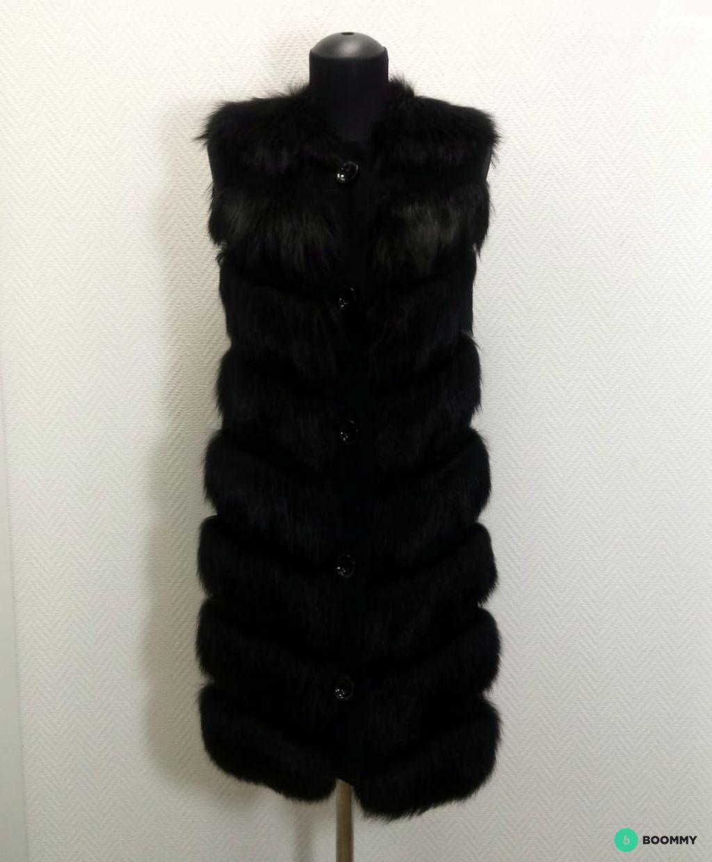 Черный жилет из меха лисы