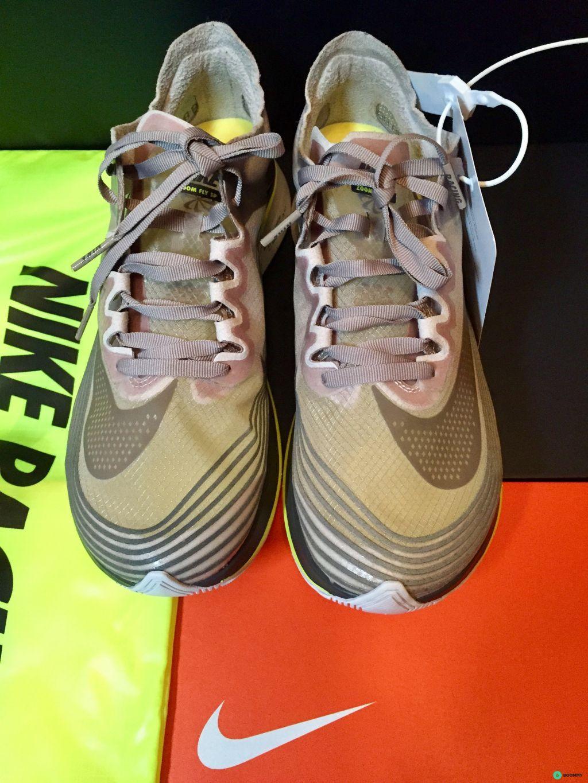 Кроссовки Nike Zoom Fly SP