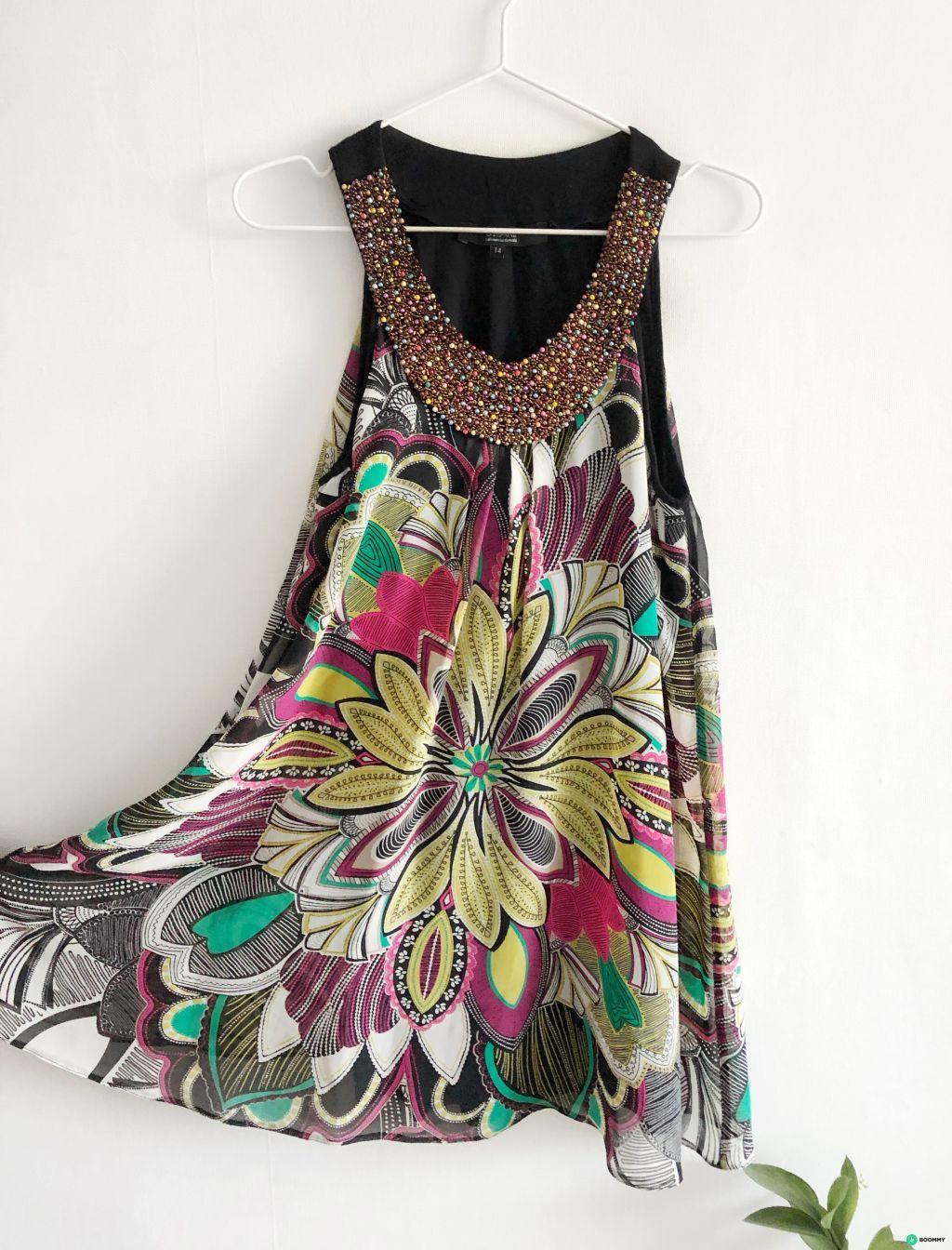 Платье А-силуэта вискоза с вышивкой-ожерельем