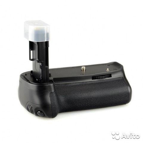 Продаётся батарейная ручка для canon 6d