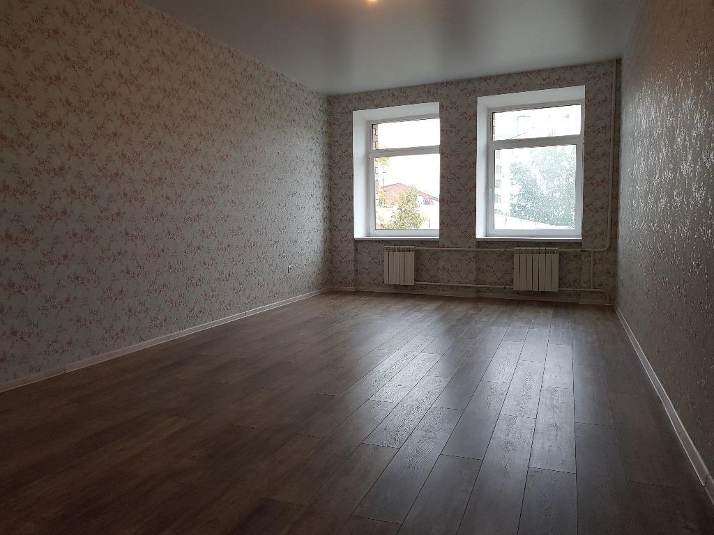 Квартира, 4 комнаты, 131 м²