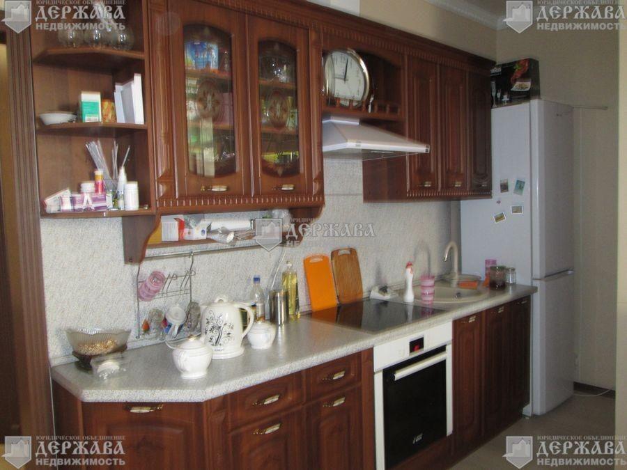 Квартира, 3 комнаты, 67.9 м²